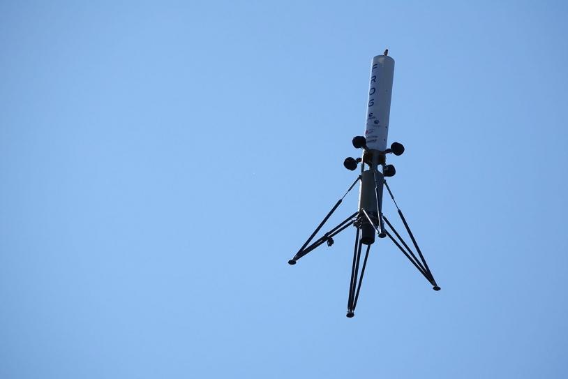 La fusée expérimentale en vol.
